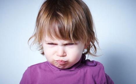 குழந்தைகள் சில சமயம் கோபமாகவும், எரிச்சலோடும் பேசுகிறார்களே? – என்ன காரணம்